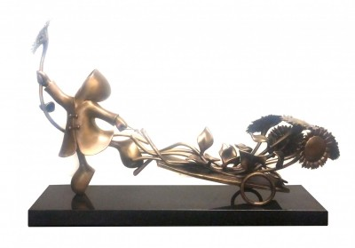 Bringer of Sunshine (Bronze) | Mackenzie Thorpe image